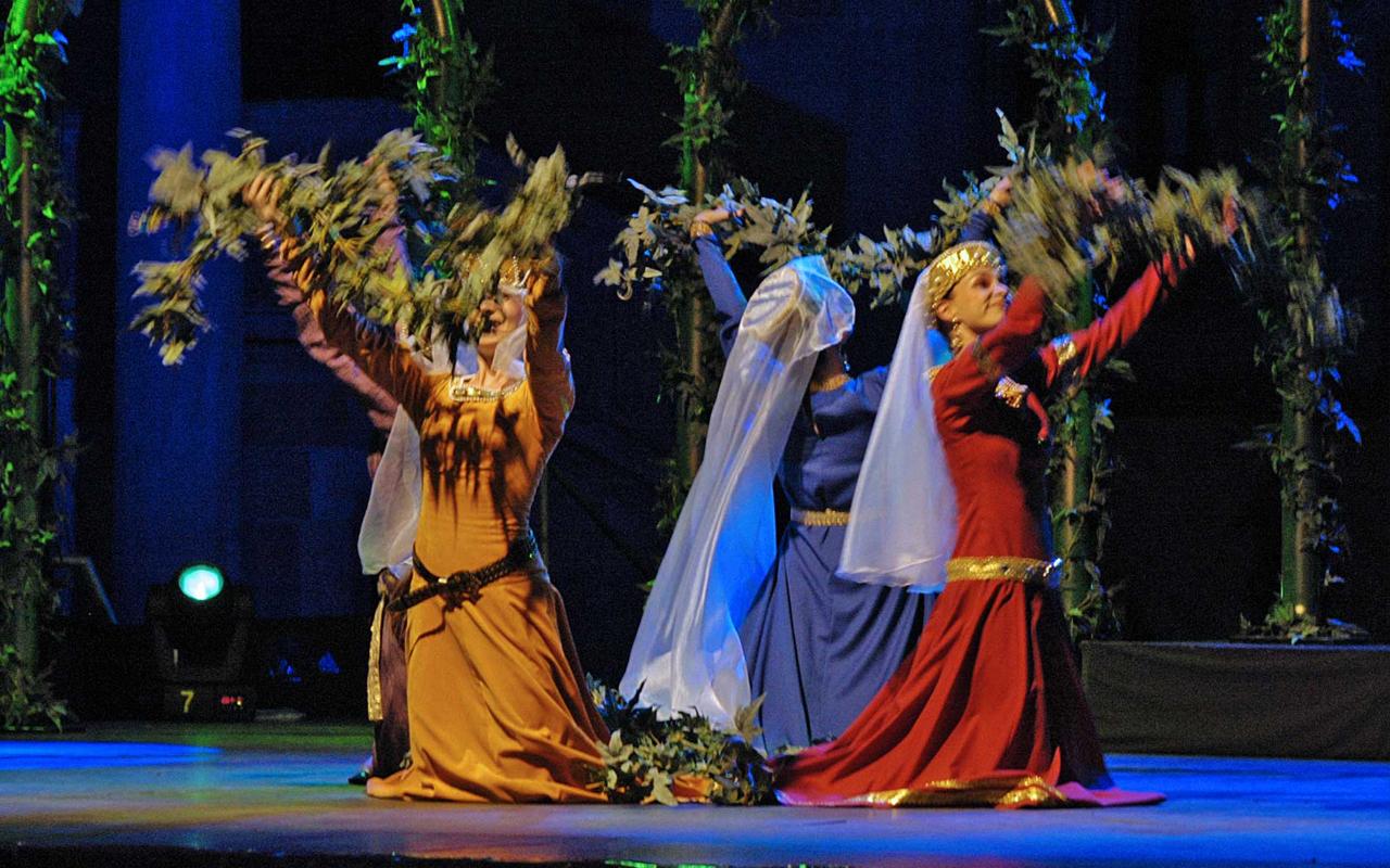 Tańce i zabawy w czasach średniowiecza